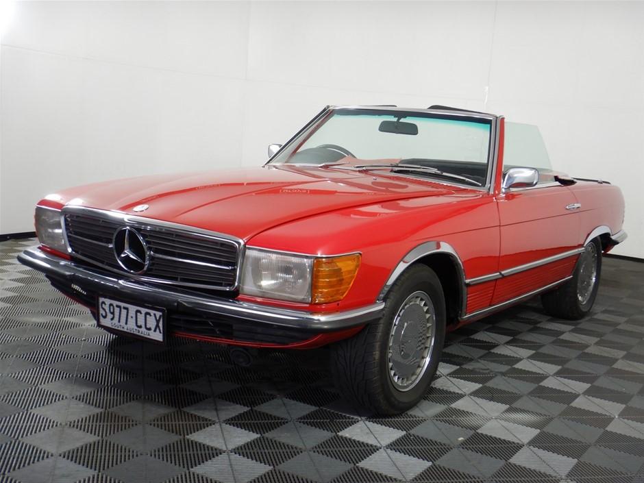 1973 Mercedes Benz 350SL RWD Automatic convertible
