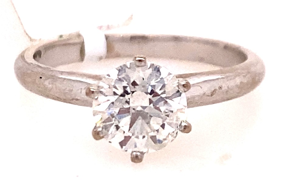 18ct white gold 1.05cts diamond solitaire ring