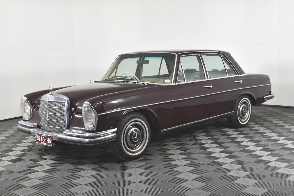 1968 Mercedes Benz 250 SE Automatic Sedan