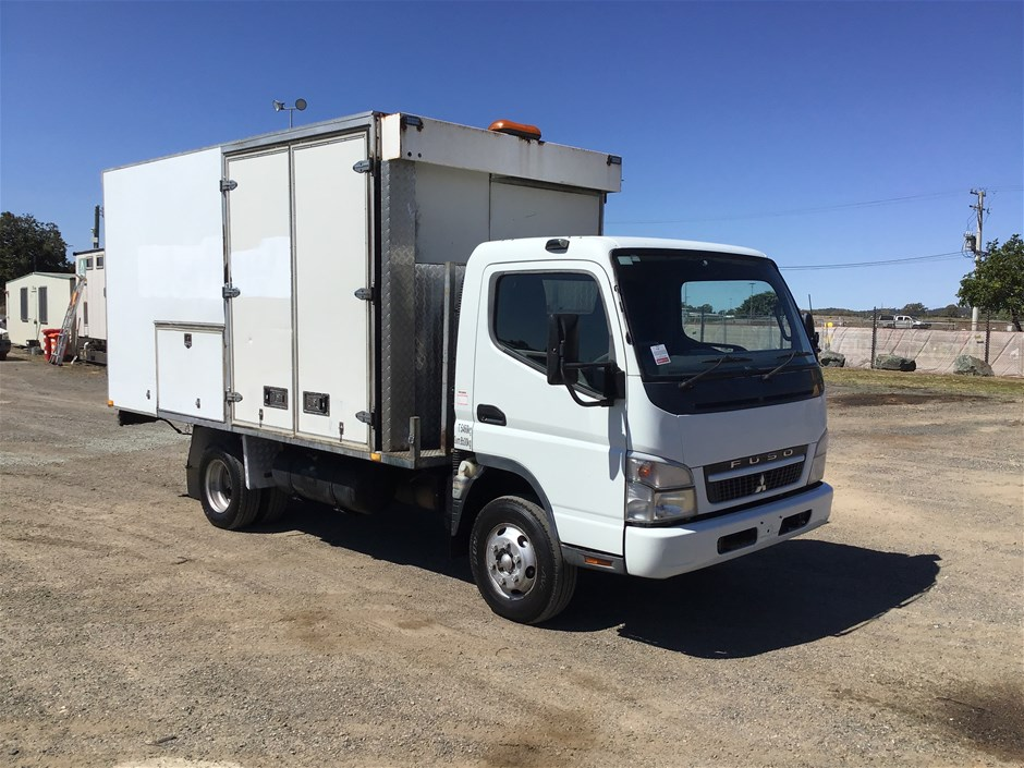 2009 Mitsubishi Fuso Canter 4 x 2 Workshop Truck