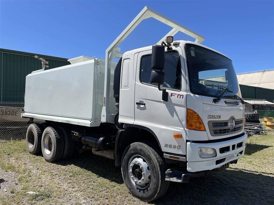 2010 Hino 500 FM 2630 Water Truck