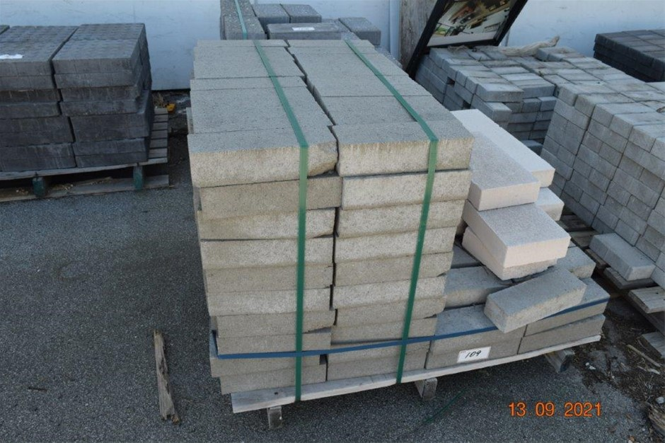 Lot of 260 Solid Paver