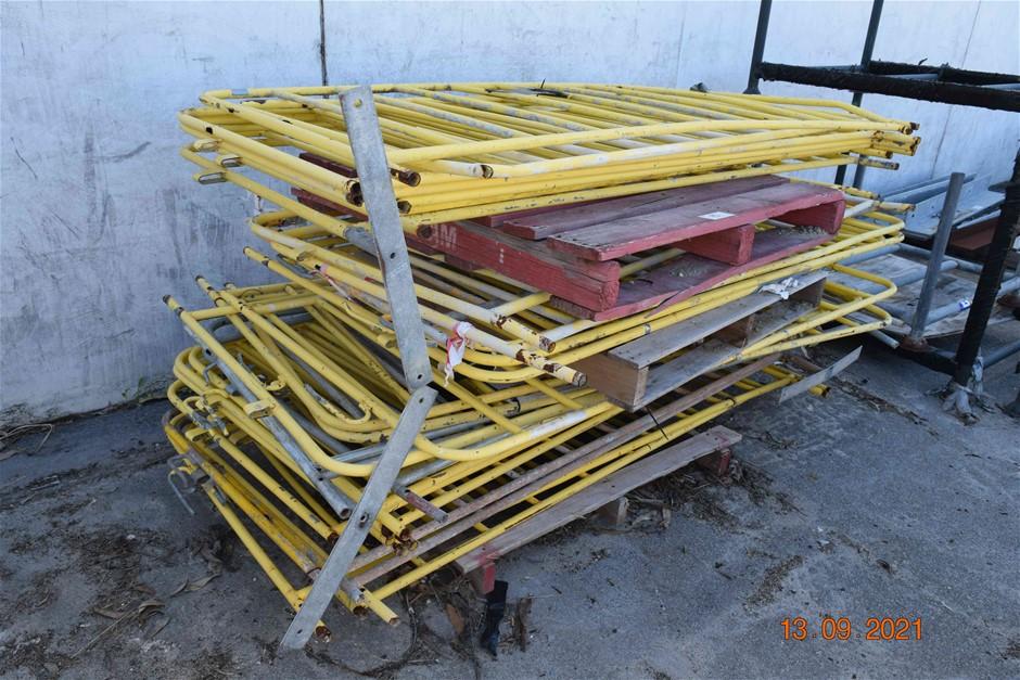 Lot of 28 Steel Interlocking Fencing Panels