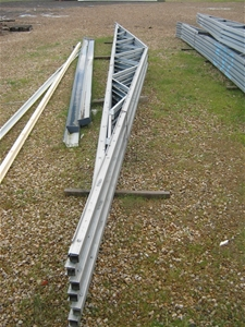 16 steel roof trusses 10800 l x 640 h x 50 t mm for 4 12 roof truss prices