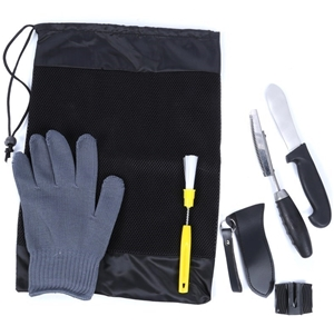 Force ten cleaning kit comprising handling gloves gut for Fish cleaning gloves